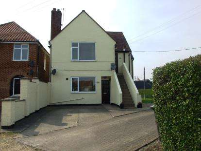 2 Bedrooms Flat for sale in West Row, Bury St. Edmunds, Suffolk