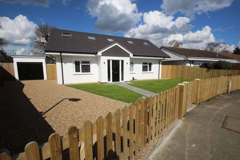 4 Bedrooms Detached Bungalow for sale in Ashley Road, Tonbridge