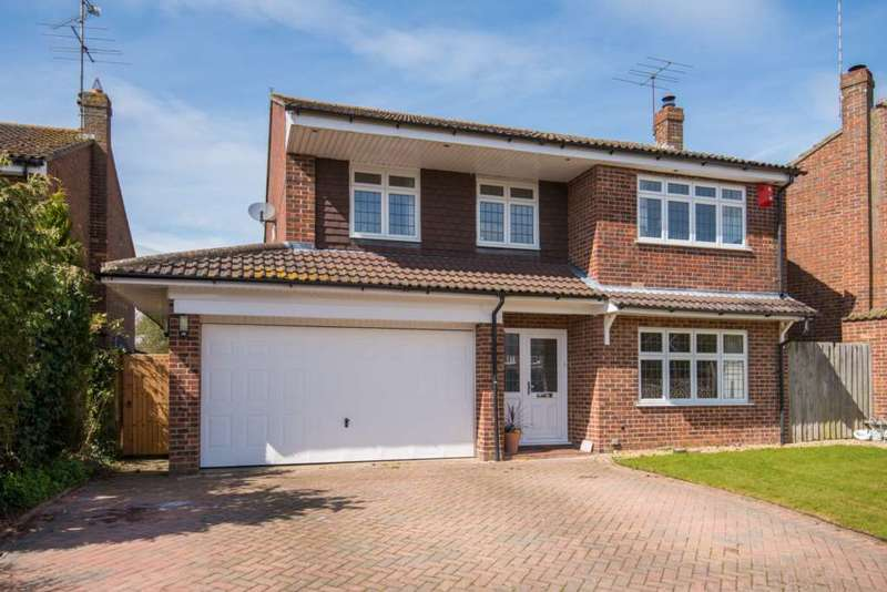 4 Bedrooms Detached House for sale in Deans Meadow, Dagnall