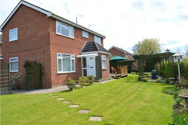 4 Bedrooms Detached House for sale in Newtown, TEWKESBURY, Gloucestershire, GL20 8DY