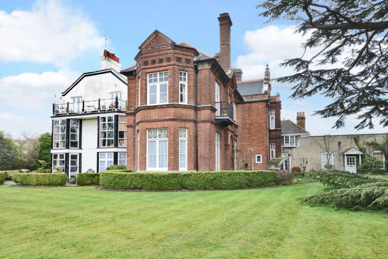 2 Bedrooms Flat for sale in The Old Manor House, Thames Ditton