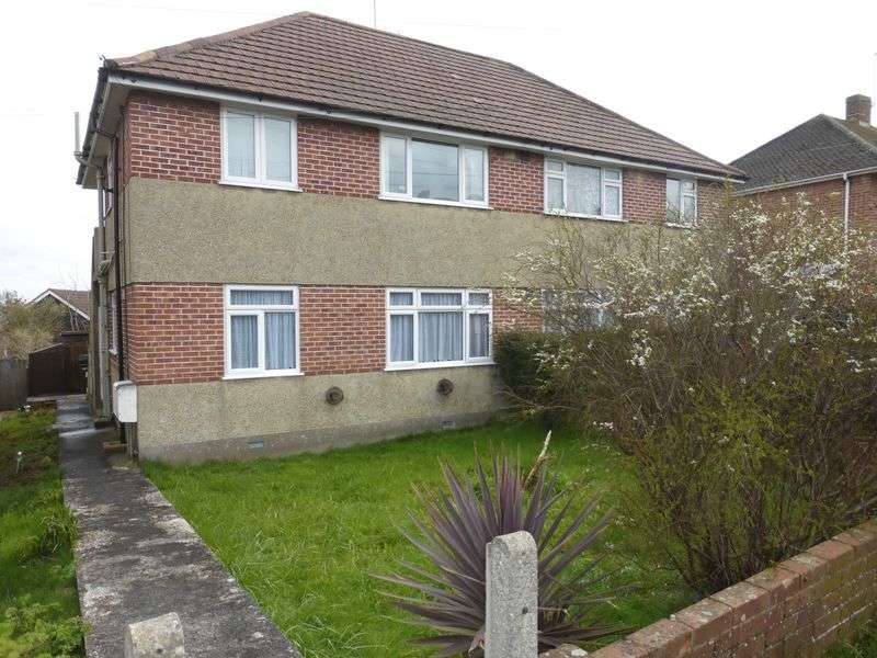 2 Bedrooms Flat for sale in Elmhurst Avenue, Yeovil
