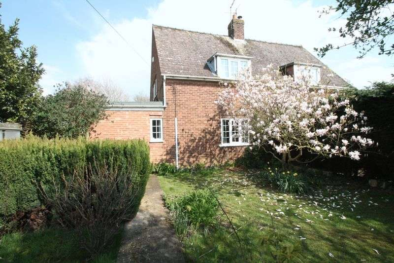 3 Bedrooms Semi Detached House for sale in Mallard Road, Low Fulney