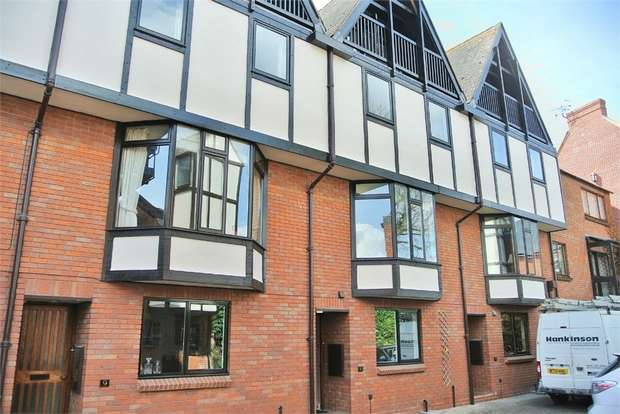 3 Bedrooms Town House for sale in Ely Street, Stratford-upon-Avon, Warwickshire