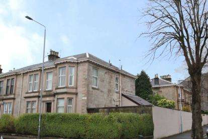 3 Bedrooms Flat for sale in Bentinck Street, Greenock