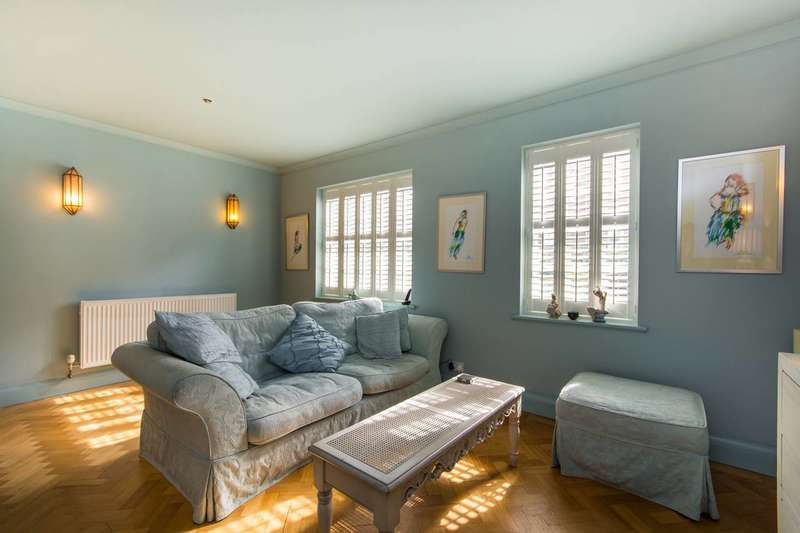 3 Bedrooms Flat for sale in College Road, Dulwich, SE21