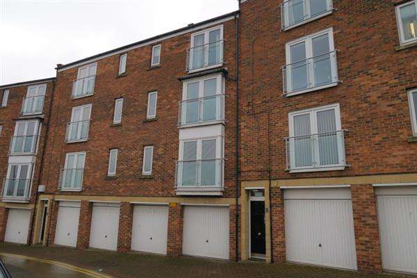 2 Bedrooms Apartment Flat for sale in Riverside Court, South Shields