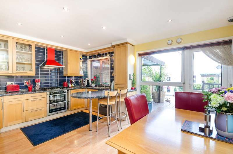3 Bedrooms Terraced House for sale in Westgate Road, Beckenham, BR3