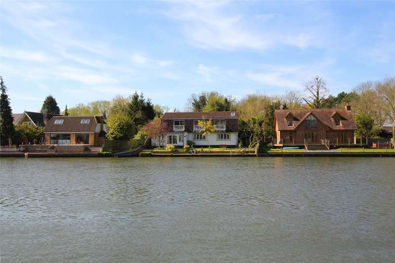 3 Bedrooms Detached House for sale in Riverside, Staines-Upon-Thames, Surrey, TW18