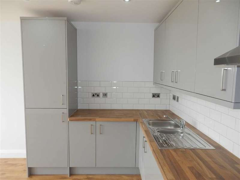 2 Bedrooms Property for sale in Uxbridge Road, Hayes, Middlesex