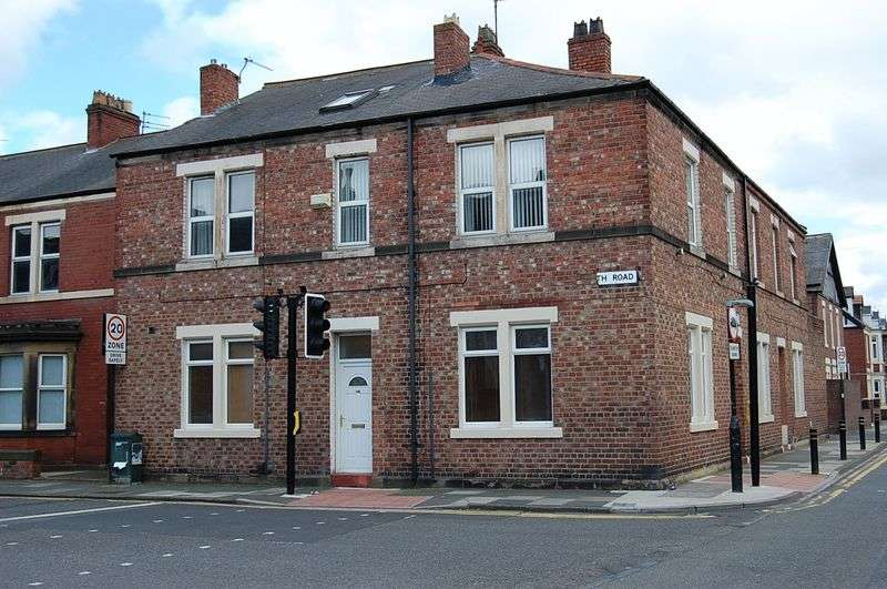 3 Bedrooms Flat for sale in ** TOWN CENTRE ** North Road, Wallsend
