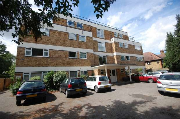 1 Bedroom Flat for sale in Thirlestane House, Uxbridge Road, Hampton Hill