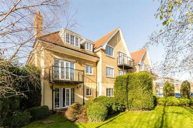 2 Bedrooms Flat for sale in Thyme Court, 205 Holders Hill Road, Mill Hill