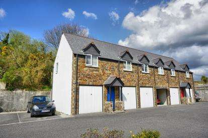 2 Bedrooms Flat for sale in Pochin Drive, St. Austell, Cornwall
