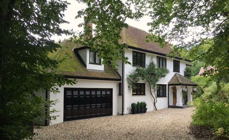 5 Bedrooms Detached House for sale in Firs Walk, Welwyn, Hertfordshire