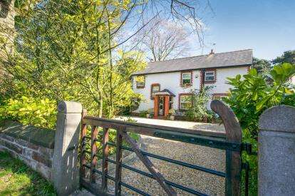 4 Bedrooms Detached House for sale in Chester Road, Sandiway, Northwich, Cheshire
