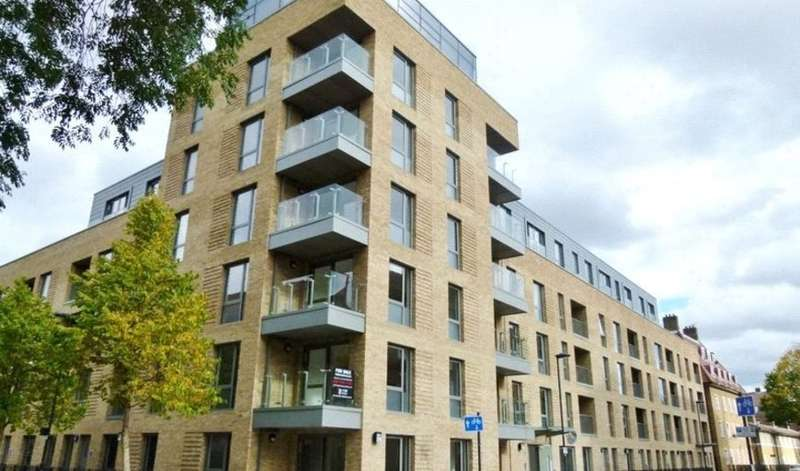 2 Bedrooms Flat for sale in Palm House, Parliament reach, Vauxhall