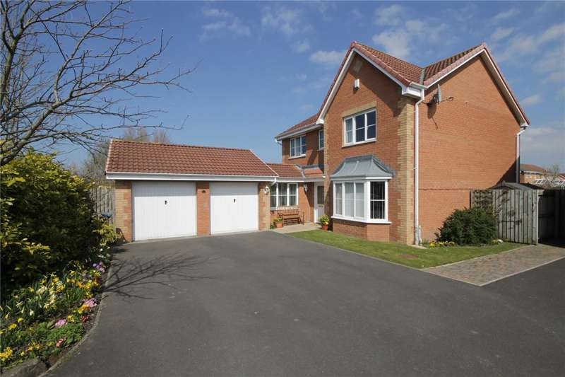 4 Bedrooms Detached House for sale in Cotherstone Close, Consett, County Durham, DH8