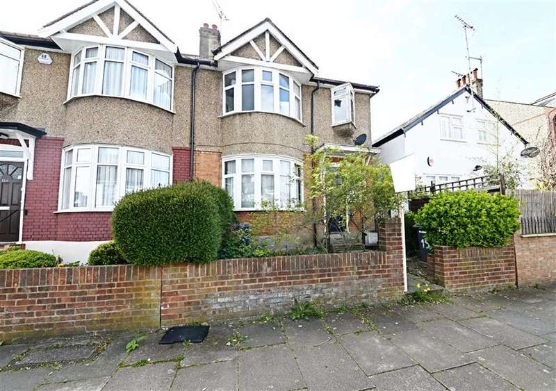 3 Bedrooms Property for sale in Lankaster Gardens, East Finchley, London, N2