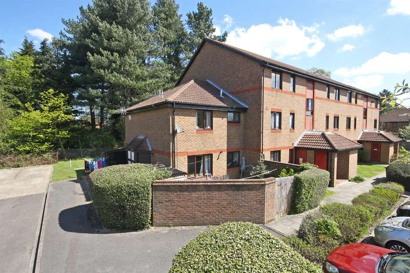 1 Bedroom End Of Terrace House for sale in Oakside Court, Horley, RH6
