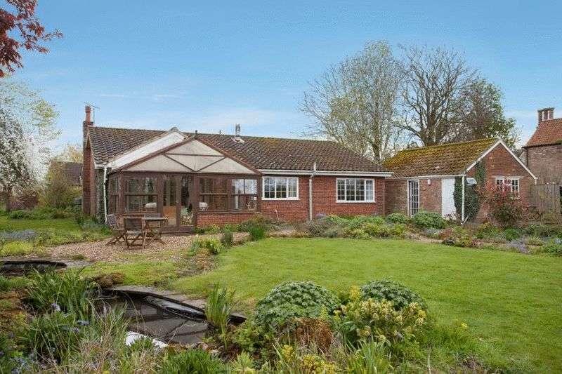 3 Bedrooms Detached Bungalow for sale in Great Bircham, Norfolk