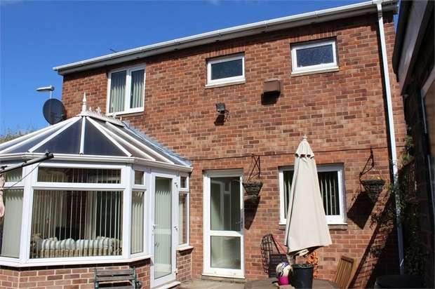 3 Bedrooms Detached House for sale in Truro Walk, Normanton, West Yorkshire