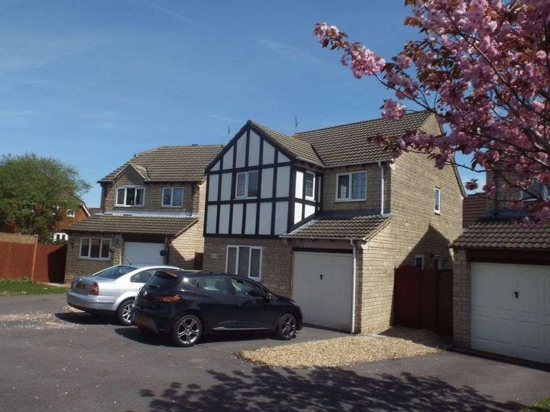 4 Bedrooms Detached House for sale in Sandown Drive, Chippenham