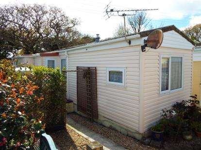 1 Bedroom Mobile Home for sale in Goldenbank, Falmouth, Cornwall