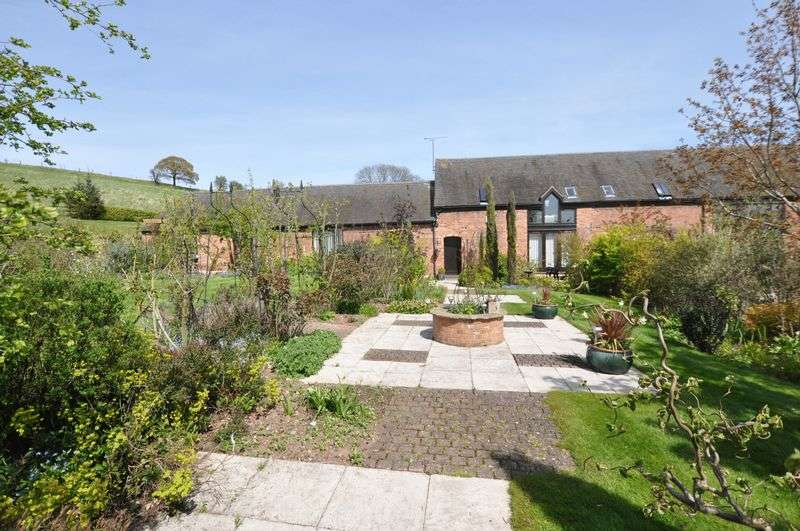 4 Bedrooms House for sale in LICHFIELD ROAD, HAMSTALL RIDWARE