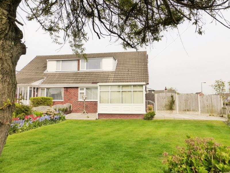 3 Bedrooms Semi Detached Bungalow for sale in Chorley Close, Banks, Southport