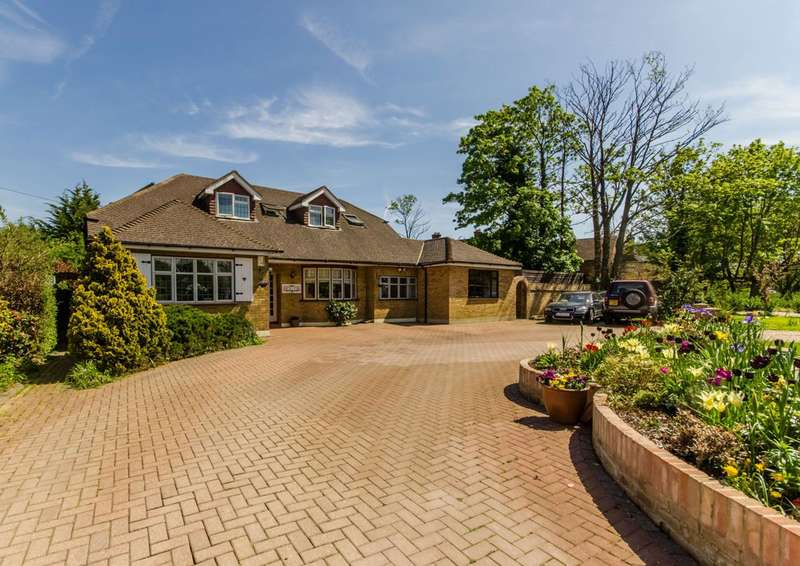 6 Bedrooms Bungalow for sale in Royal Avenue, Worcester Park, KT4
