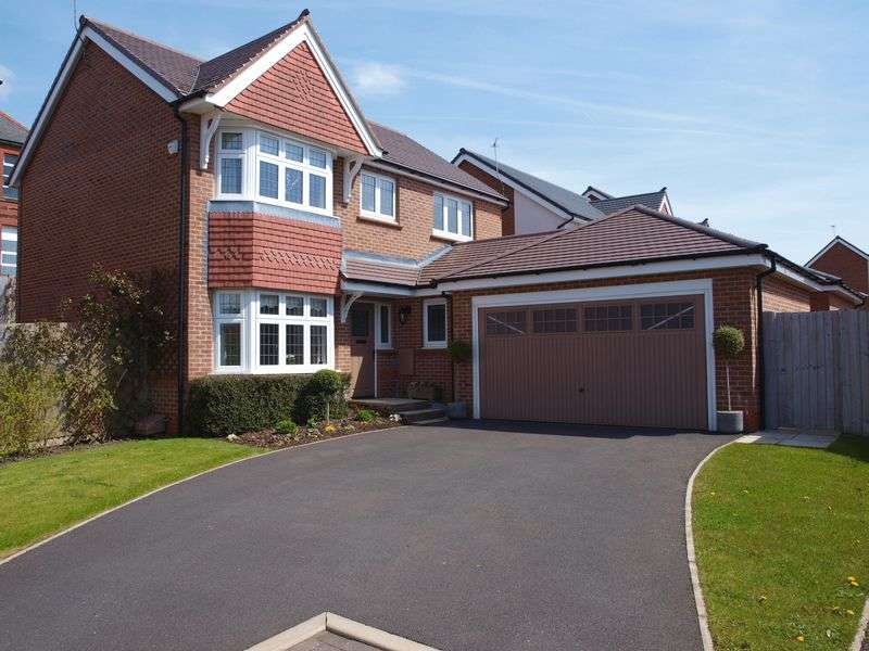 4 Bedrooms Detached House for sale in Floyd Close, Wardle, OL12 9RJ