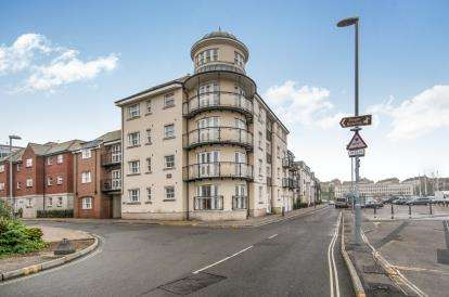 3 Bedrooms Flat for sale in Commercial Road, Weymouth, Dorset