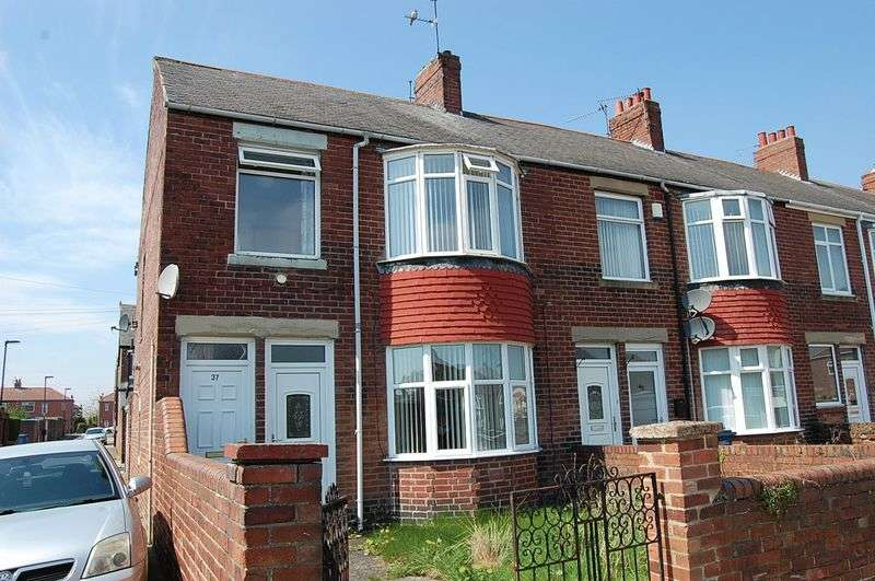 2 Bedrooms Flat for sale in ** GARAGE TO REAR ** Weardale Avenue, Walkerdene