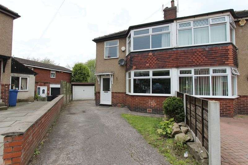 3 Bedrooms Semi Detached House for sale in Rossall Avenue, Radcliffe, Manchester