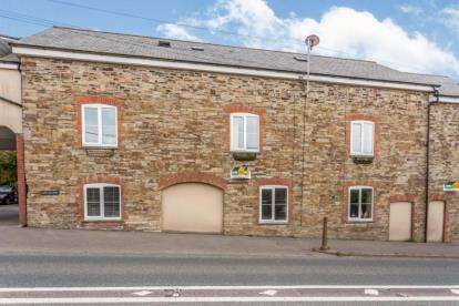 3 Bedrooms Terraced House for sale in East Taphouse, Liskeard, Cornwall