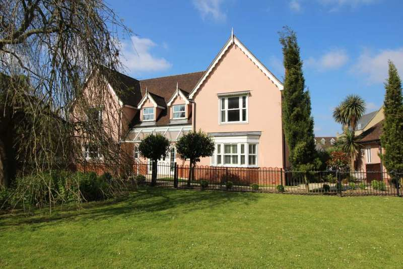 5 Bedrooms Detached House for sale in Gainsborough Road, Braintree