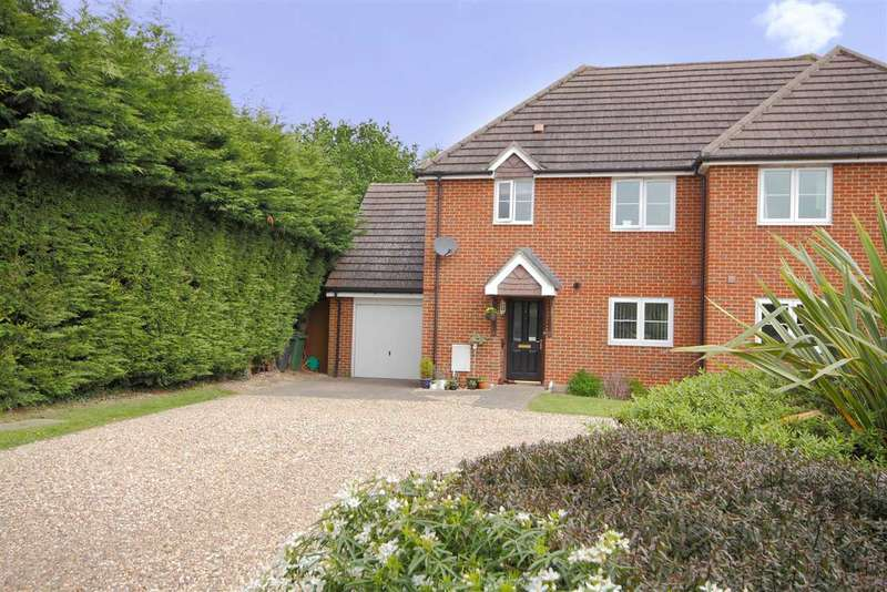 3 Bedrooms Semi Detached House for sale in Lindsay Close, Whitchurch