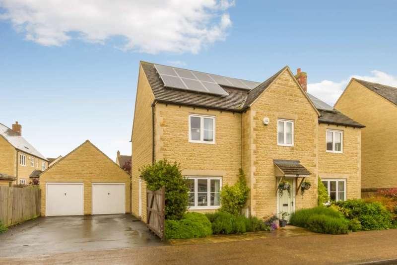 4 Bedrooms Detached House for sale in Elmhurst Way, Shilton Park