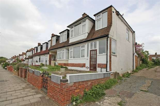 3 Bedrooms End Of Terrace House for sale in Hillcrest Road, Bromley, Kent