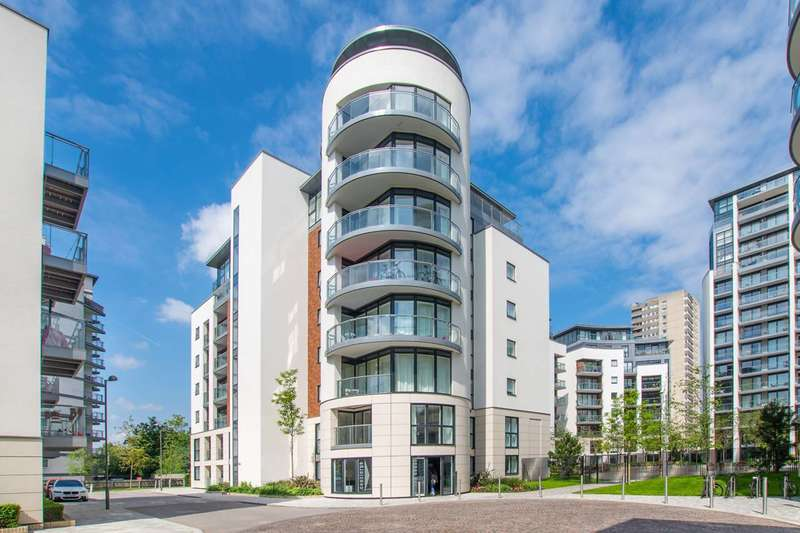 2 Bedrooms Flat for sale in Pump House Crescent, Brentford, TW8