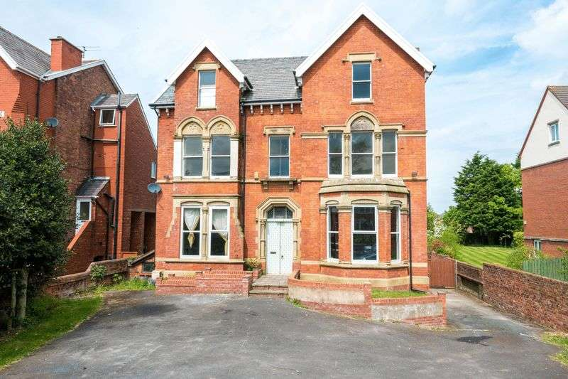 6 Bedrooms Detached House for sale in Cambridge Road, Churchtown, Southport