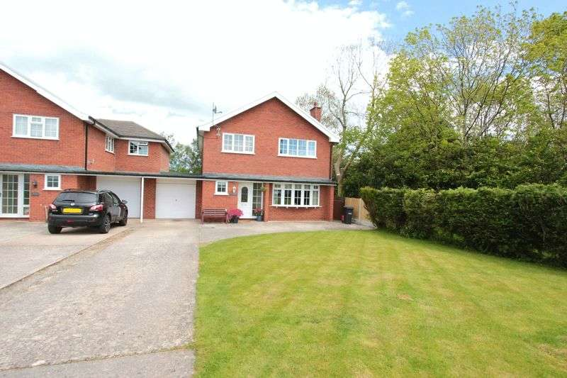 4 Bedrooms Detached House for sale in Mount Road, St. Asaph