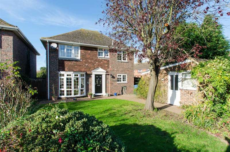 4 Bedrooms Detached House for sale in Doubleday Drive, Bapchild, Sittingbourne