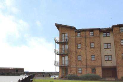 2 Bedrooms Flat for sale in Deas' Wharf, Kirkcaldy