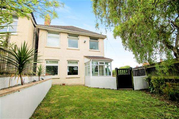 3 Bedrooms Detached House for sale in Queens Road, Lower Parkstone, Poole
