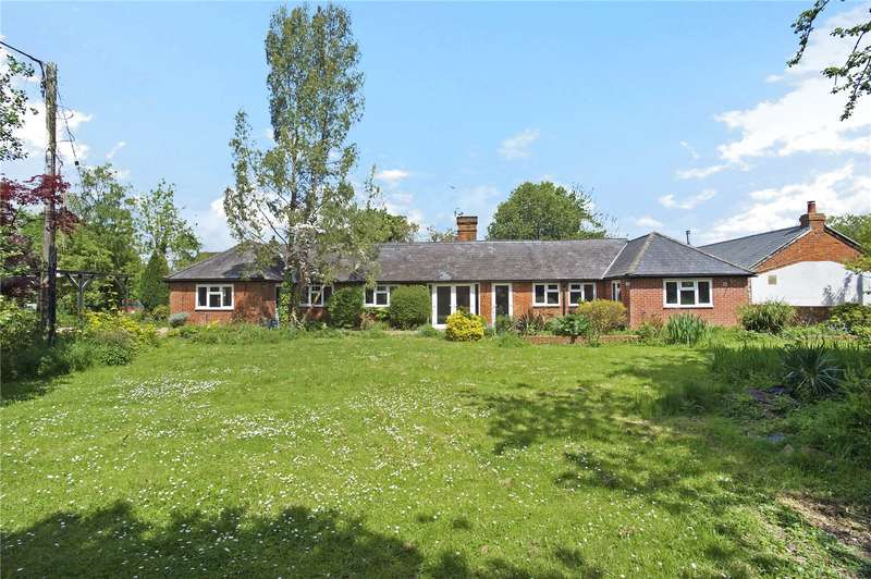 3 Bedrooms Detached Bungalow for sale in Akeley Wood, Akeley, Buckingham, Buckinghamshire, MK18