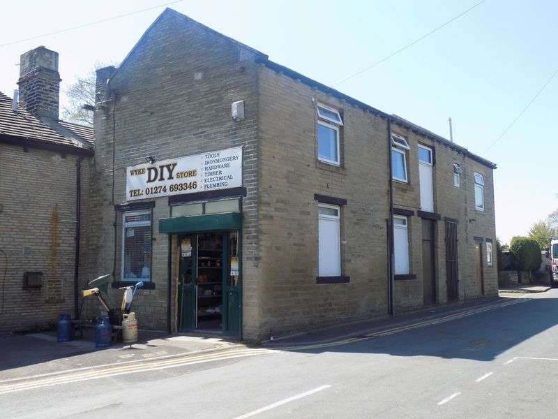 3 Bedrooms Terraced House for sale in Hanson Fold, Bradford