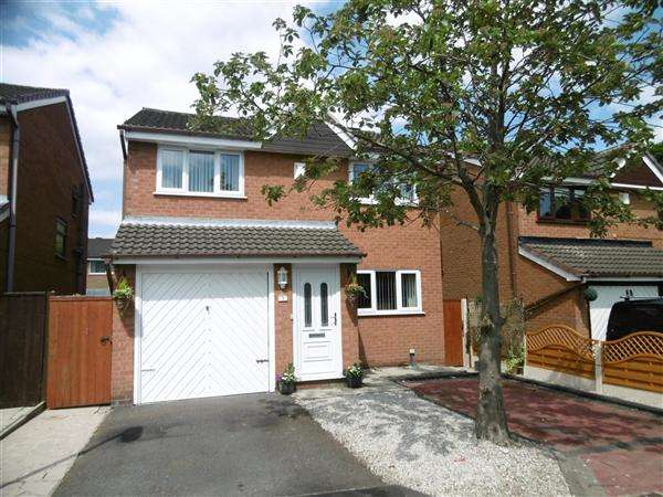 3 Bedrooms Detached House for sale in Beaumaris Close, Leigh