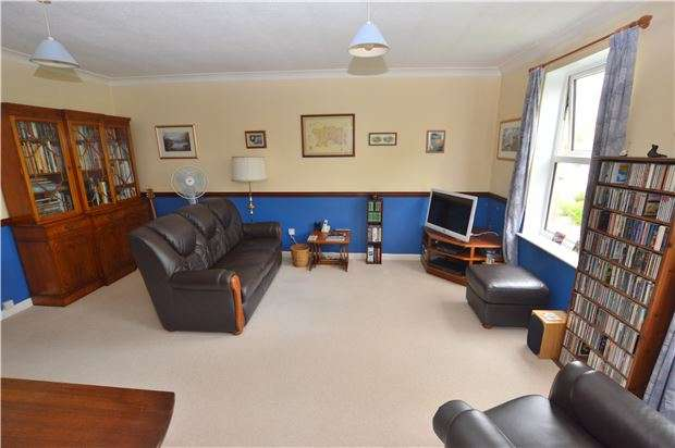 2 Bedrooms Flat for sale in Pittville Circus, CHELTENHAM, GL52 2PU